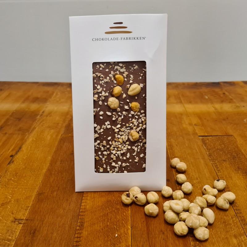 Lys chokolade med hasselnød