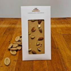 Dulcey chokolade med mandler og pistacie