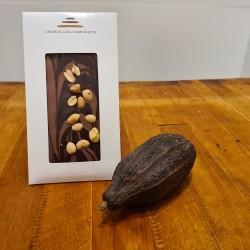 Lys chokolade med peanuts