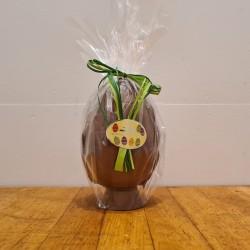 Hel påskeæg i lys chokolade, ca. 17,5 cm. DENNE VARE SKAL AFHENTES I BUTIKKEN